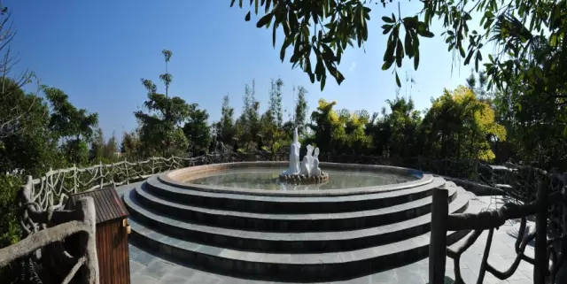 惠州尚天然温泉小镇露天温泉池