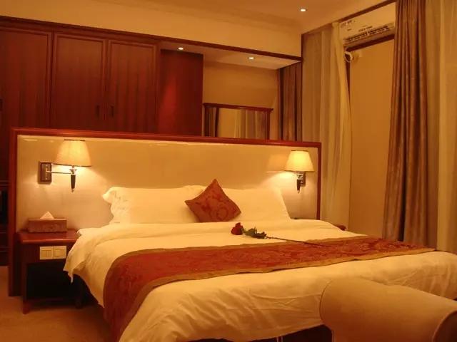 惠州温泉小镇客家围酒店典雅舒适的雅致房