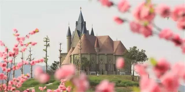 惠州温泉小镇鲁冰花童话园花海城堡